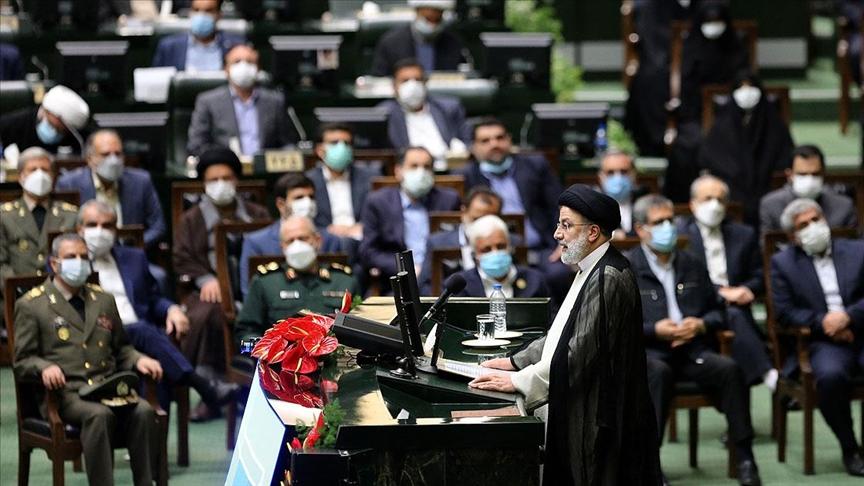 İran Cumhurbaşkanı Reisi'nin kabinesine güvenoyu