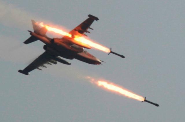 Rus savaş jetleri, Suriye'de HTŞ üslerini bombaladı!