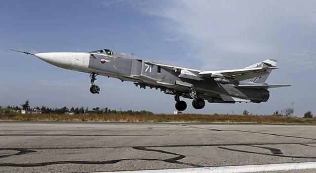 """Rusya'da """"Su-24"""" tipi savaş uçağı düştü!"""