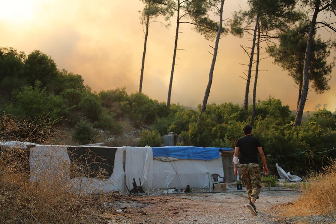 Rejim saldırısı sonrası Türkmen Dağı'nda yangın çıktı