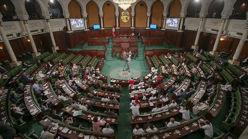 AB'den Tunus'a uyarı: Meclis süresiz olarak kapalı kalamaz!