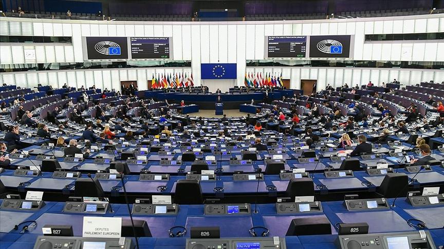 Avrupa Parlamentosu, AB Komisyonuna dava açıyor!