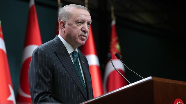 Erdoğan'dan sosyal medyaya ilişkin kritik mesaj